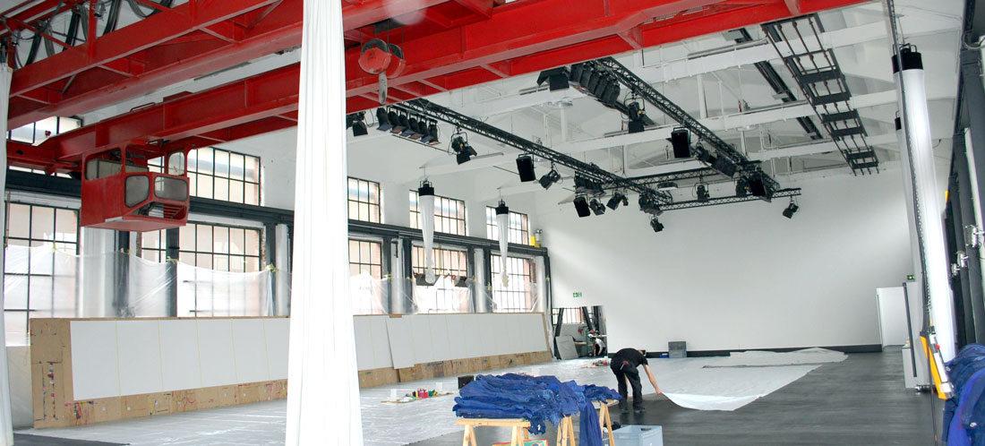 Aufbau für einen Action Painting Teamevent in Düsseldorf
