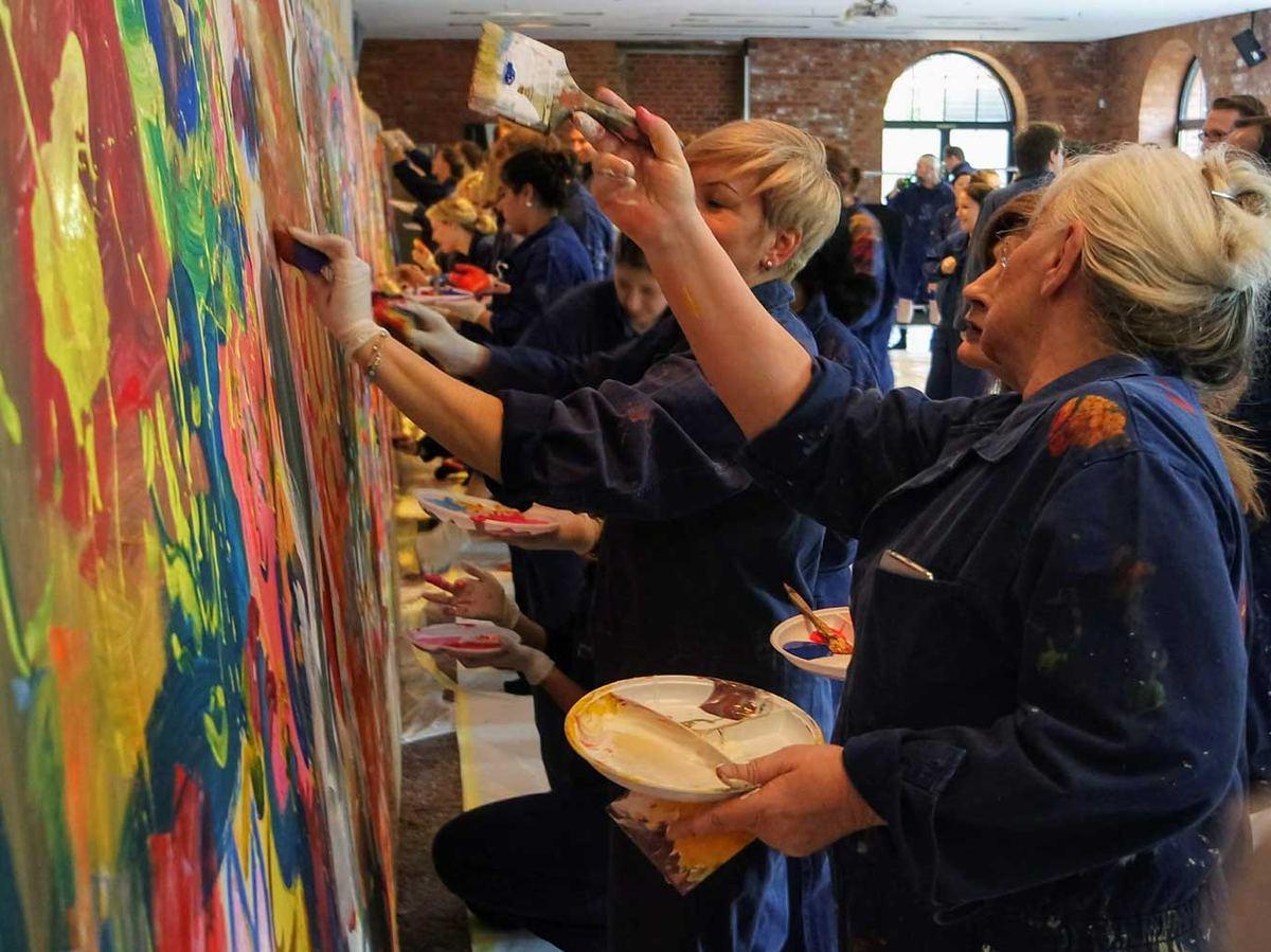 Kreatives Teamevent - Malen im Großformat